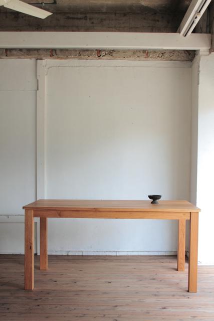 クルミテーブル
